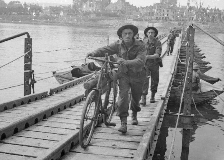 Мосты на деревянных понтонах