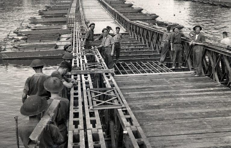 Наплавные мосты Bailey