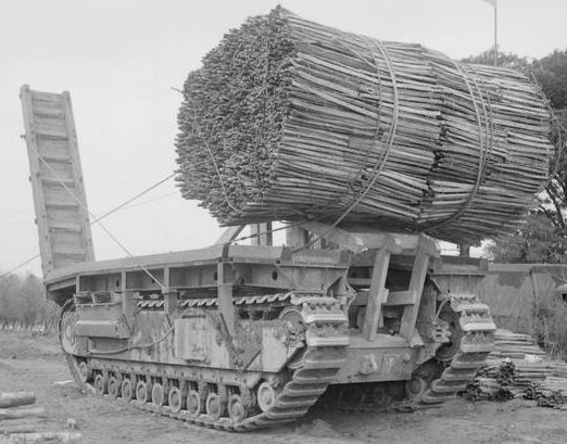 Churchill AVRE с фашиной