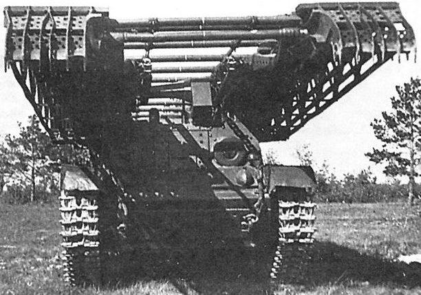 Инженерно-мостовой танкИТ-28