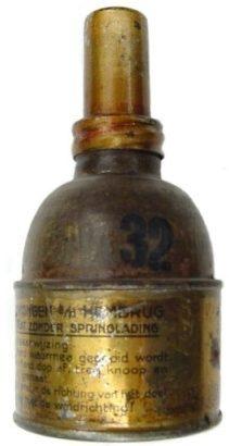 Дымовая граната Gashandgranaat. Граната была принята на вооружение до 1938 г.