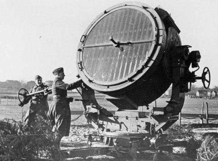 Зенитный прожектор Flakscheinwerfer 40/43