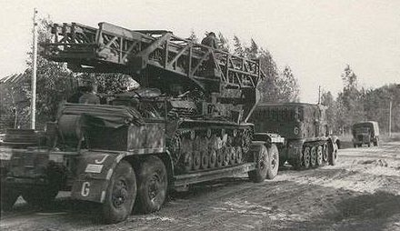 Штурмовой пехотный мост Brückenleger IVs (Sturmstegpanzer)