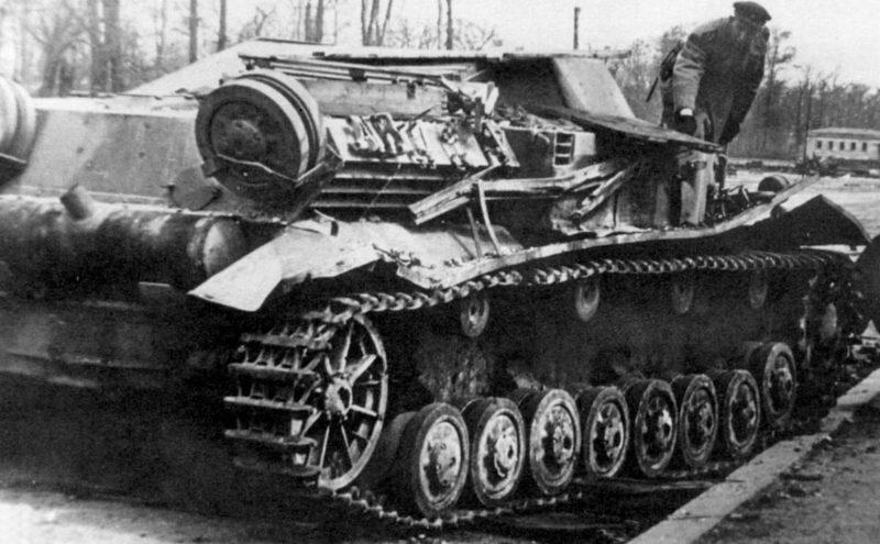 Подвозчик боеприпасов Sd.Kfz. 111Pz