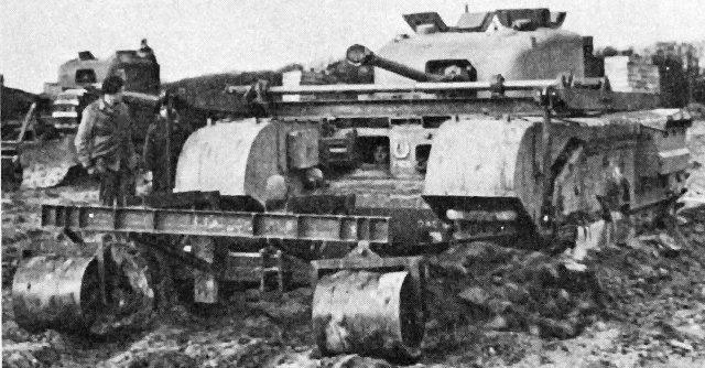 Минный трал AMRA Mk-II на танке Mk-IV Churchill