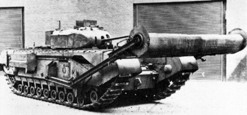 Танк «Churchill» с минным катковым тралом