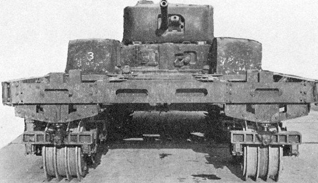 Танк Mk-IV «Churchill» с минным катковым тралом AMRCR