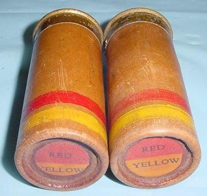 Пистолетные 37-мм сигнальные патроны красно-зеленого и красно-желтого огня с картонной гильзой