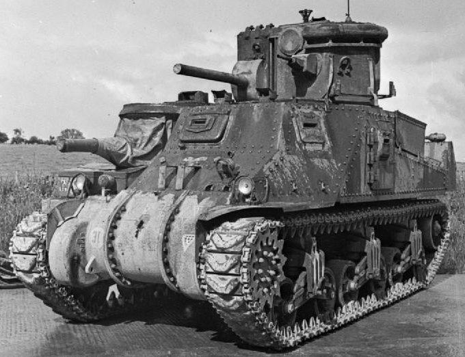 На танке М-3