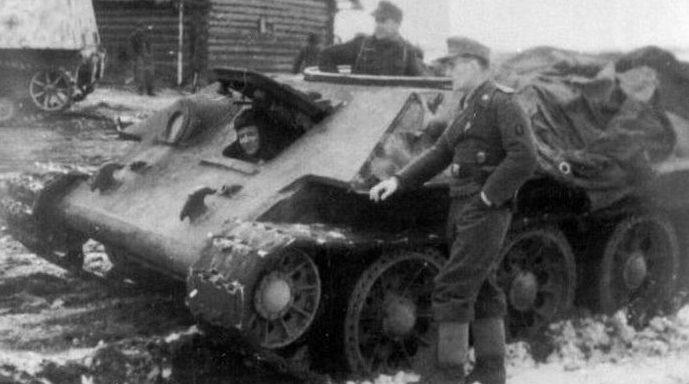 Подвозчик боеприпасов на шасси танка Т-34
