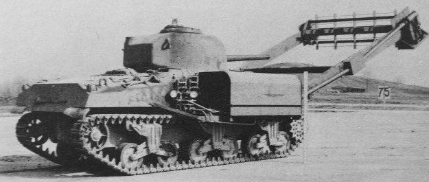 Цепной трал Т-3 с танком M-4A4