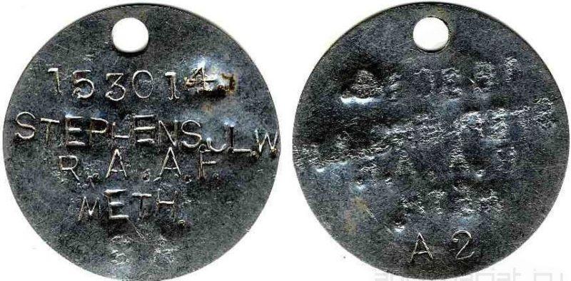 Жестяные и алюминиевые жетоны времен Первой мировой войны с добавленными данными в период Второй мировой.