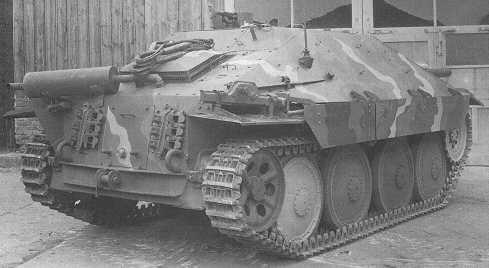 Огнеметный танк Flammpanzer 38(t) Hetzer, вид сзади