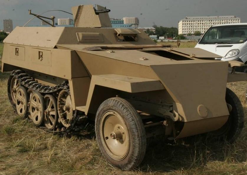 Полугусеничный бронетранспортер. SdKfz 250/5