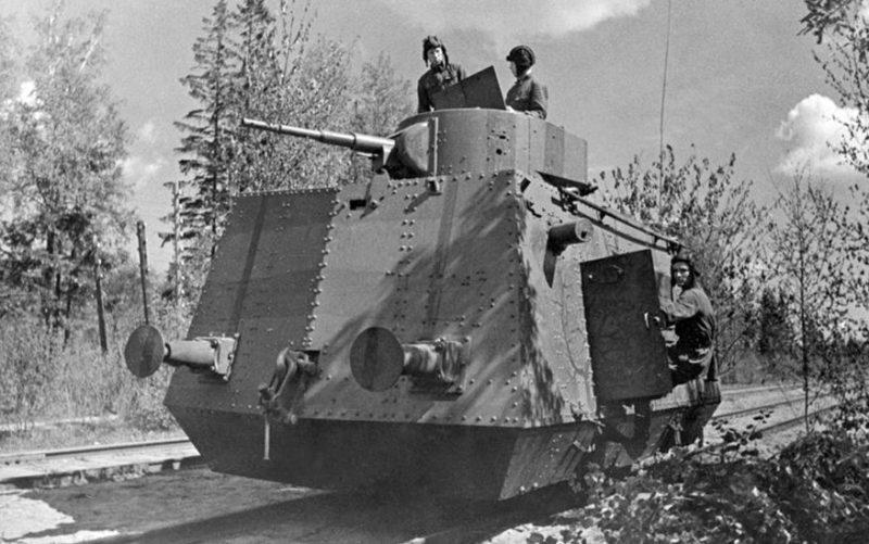 Тяжелая бронедрезина БТД -35
