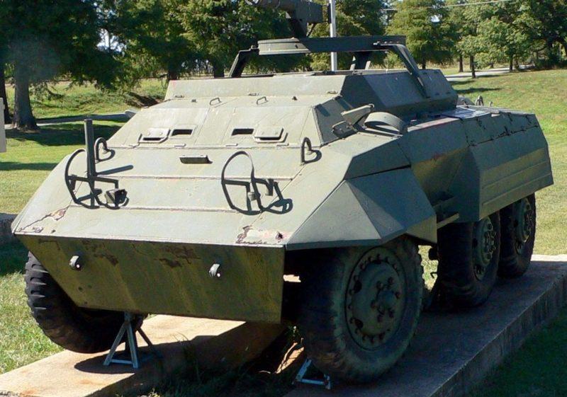 Командно-штабная машина M-20 Scout Car.