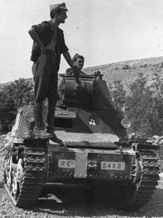 Легкий танк Fiat L6/40.