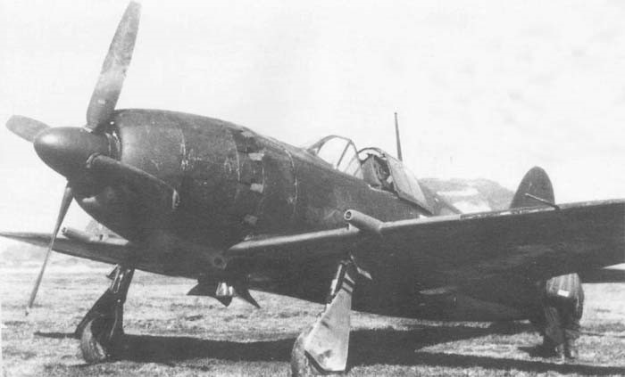 Истребитель J2M с крыльевыми пушками Type 5 в обтекателях