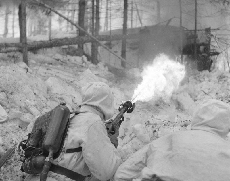Ранцевый огнемет РОКС-2
