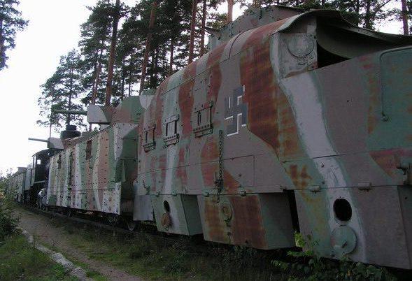 Общий вид бронепоезда.