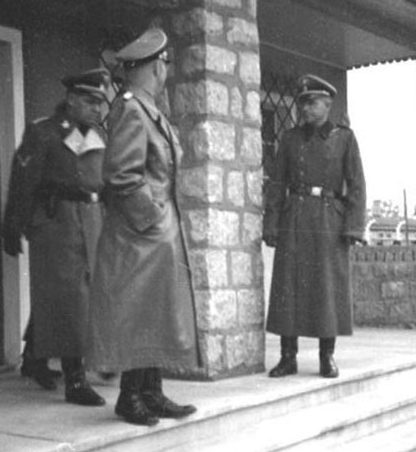 Инспекция Гиммлером лагерного борделя.