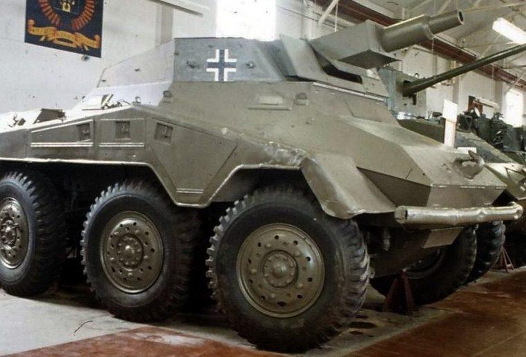 Тяжелый бронеавтомобиль. Sd.Kfz.234/3