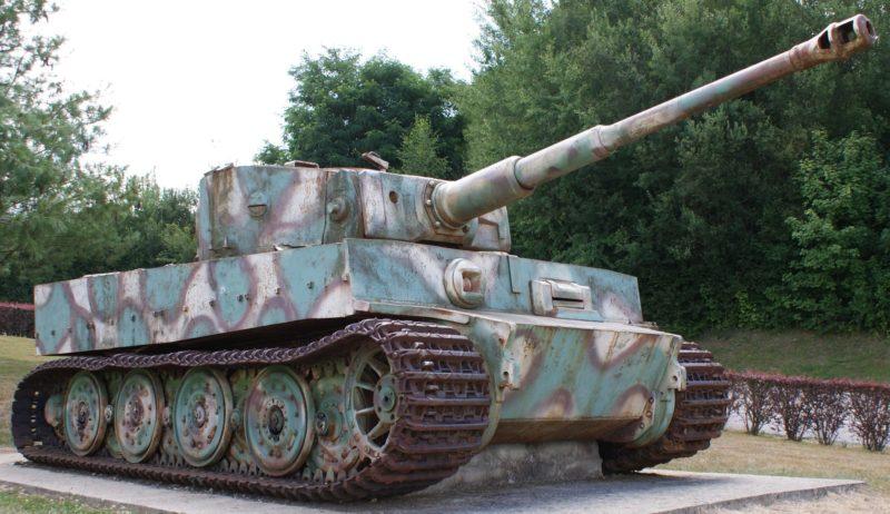 Тяжелый танк Panzerkampfwagen VI Ausf.E Tiger
