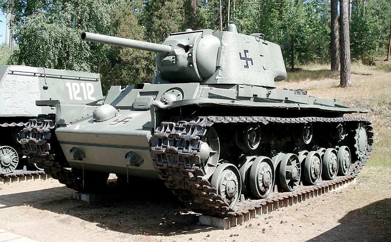 Тяжелый танк КВ-1 1942 г.