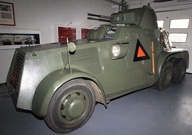 Средний бронеавтомобиль Landsverk 181 (L-181).