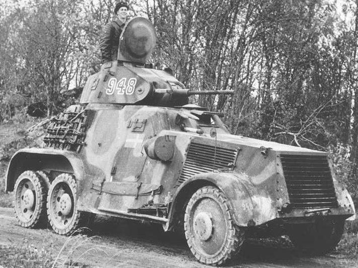 Средний бронеавтомобиль Landsverk L-180