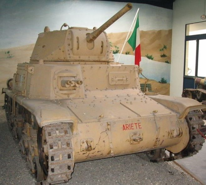 Средний танк Carro Armato M-15/42