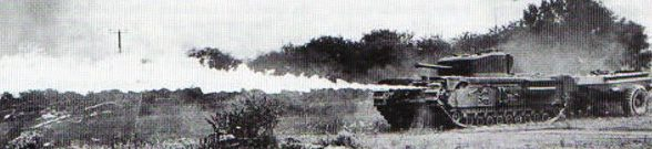 Танк Mk-VII «Churchill-crocodile» во время огнеметания