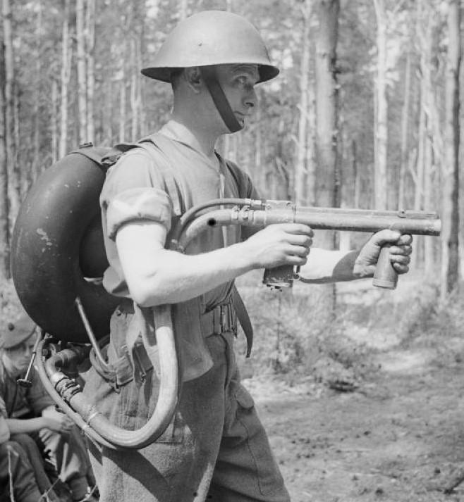 Ранцевый огнемет Portable  №2 (Lifebuoy)