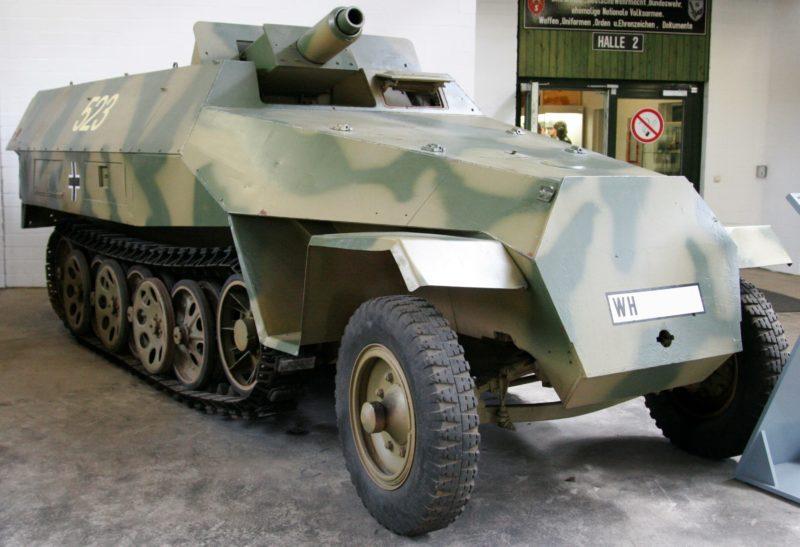 Бронетранспортер Sd.Kfz. 251/9 «Stummel»