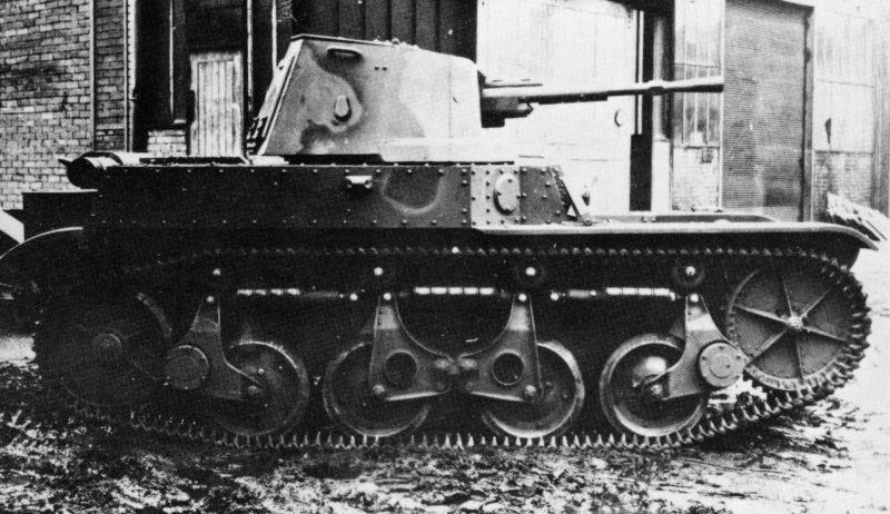 легкий танк AMR-35 ZT