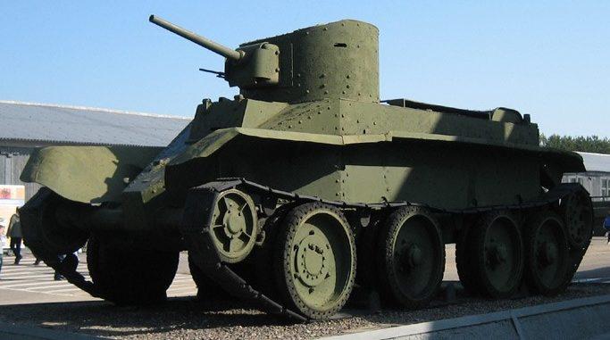 Лёгкий колёсно-гусеничный танк БТ-2: с пушечно-пулеметным вооружением