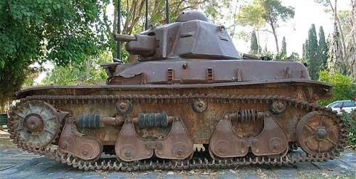 легкий танк R-35