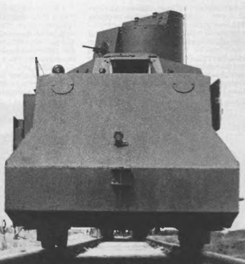Бронедрезина-транспортер ДТР. Вид сбоку