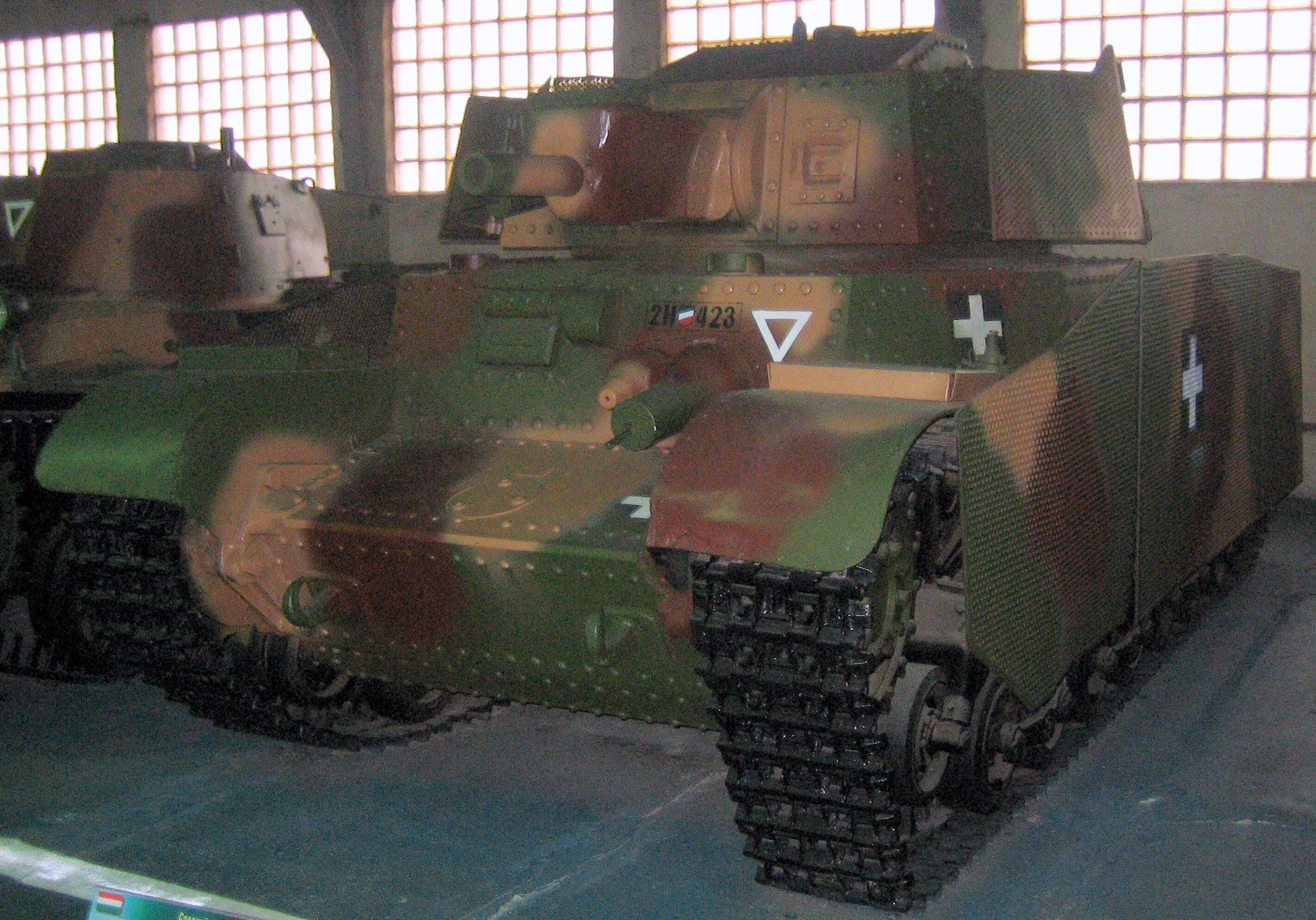 Средний танк 40-M Turán - І