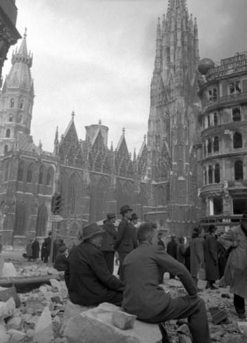 Разрушенная Вена. Апрель 1945 г.