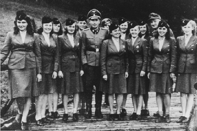 Официальные сотрудницы немецкого борделя