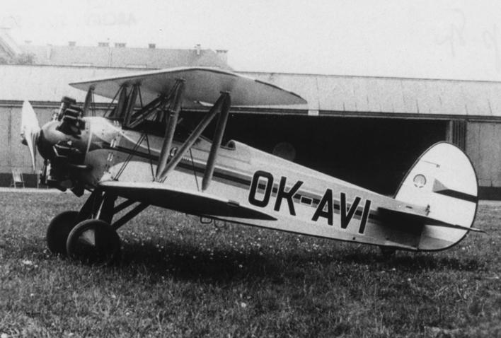 Учебно-тренировочный самолет Avia Bа-122