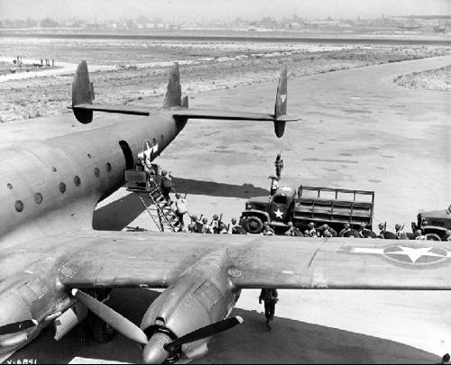 Транспортный самолет Lockheed C-69 Constellation