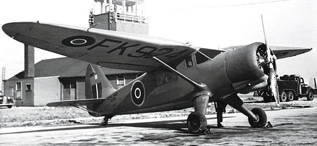 Учебно-тренировочный самолет Stinson Reliant АТ-19