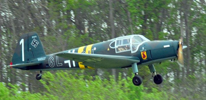 Учебно-тренировочный самолет Bucker Bu-181 Bestmann