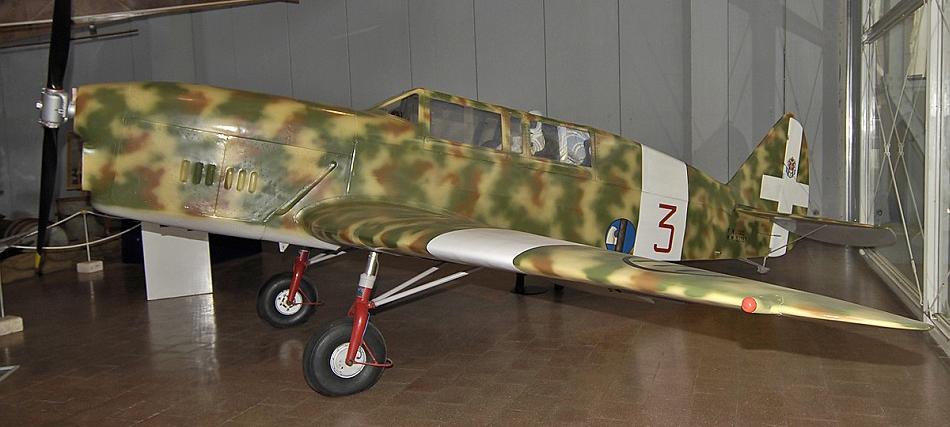 Учебно-тренировочный самолет Nardi FN-305
