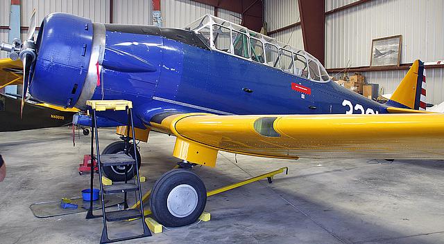 Учебно-тренировочный самолет North American BT-14