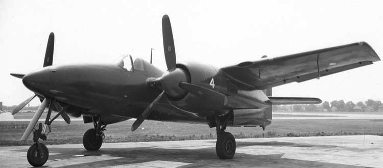 Палубный истребитель Grumman F-7F-1 Tigercat