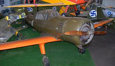 Учебно-тренировочный самолет VL Pyry