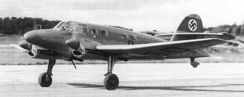Легкий транспортный самолет AGO Ao-192В Kurier